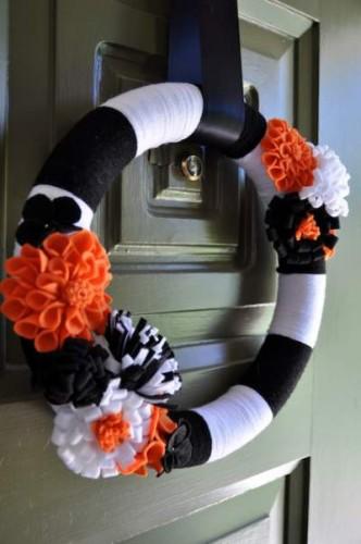 Cute DIY Halloween Wreaths
