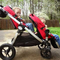 Top 6 Things to Consider While Choosing the Best Tandem Strollers